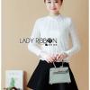 เสื้อผ้าแฟชั่นเกาหลีพร้อมส่ง เสื้อแขนยาวผ้าลูกไม้สีขาวสุดหรู