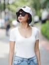 เสื้อคอยู แขนสั้นสีขาว ผ้า spendex