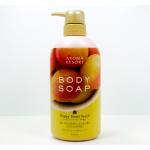 Aroma Resort Body Soap Happy Sweet Peach 400 ml ครีมอาบน้ำที่มอบความหอมหวานของผลพีช รวมถึงฟองโฟมที่อ่อนนุ่ม