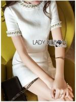 เสื้อผ้าเกาหลีพร้อมส่ง ค็อกเทลเดรสผ้าคอตตอนทวีตสีขาวตกแต่งมุก
