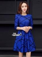 ชุดเดรสเกาหลีพร้อมส่ง เดรสงานผ้าjacquardลายสวยตัดเส้นสีดำให้ดูมีลูกเล่น