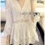 เสื้อผ้าเกาหลีพร้อมส่ง เสื้อยาวผ้าคอตตอนสีขาวตกแต่งลูกไม้สไตล์วินเทจ thumbnail 2