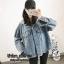 เสื้อผ้าเกาหลีพร้อมส่ง เสื้อ jacket jeans แต่งฮู๊ดด สกรีนลายด้านหลัง thumbnail 7
