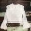 เสื้อผ้าเกาหลีพร้อมส่ง เสื้อลูกไม้ ผ้า silk แต่งเสื้อกั๊กลูกไม้ผูกเอว thumbnail 7
