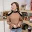 เสื้อผ้าแฟชั่นเกาหลีพร้อมส่ง เสื้อแขนยาว แต่งเว้าไหล่ ก thumbnail 1