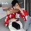 เสื้อผ้าเกาหลีพร้อมส่ง เสื้อปาดไหล่ ต่อแขนลายดอก thumbnail 1