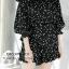 เสื้อผ้าเกาหลีพร้อมส่ง Korea Polka Dot Shoulder Off Set thumbnail 7