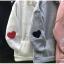 เสื้อผ้าเกาหลีพร้อส่ง เสื้อกันหนาวมีฮู้ด แต่งรูปหัวใจตรงแขน2ข้าง thumbnail 8