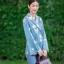 เสื้อผ้าเกาหลีพร้อมส่ง เสื้อทรงป้ายหน้า ผูกเอว thumbnail 3