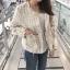 เสื้อผ้าแฟชั่นเกาหลีพร้อมส่ง เสื้อคลุมผ้าทวีต มีมุกติดที่กระเป๋าเสื้อ thumbnail 2