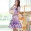 ( พร้อมส่งเสื้อผ้าเกาหลี) เซ็ตเสื้อกระโปรงโทนสีม่วง เนื้อผ้ายืดอย่างดี ตัวเสื้อเป็นผ้าลูกไม้ฉลุรูปดอกไม้ขนาดเล็กรอบคอเสื้อ ไหล่แขน และรอบชายเสื้อ ส่วนตรงกลางเสื้อฉลุด้วยรูปดอกไม้ลายดอกขนาดใหญ่ ชายเสื้อด้านหน้าผ่ารูป V คว่ำ มาพร้อมซับในสีม่วงและเข็มขัดอย่า thumbnail 1