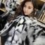 เสื้อผ้าเกาหลีพร้อมส่ง เสื้อคลุมขนเฟอร์บุผ้าต่วนมี 2 สีให้เลือก thumbnail 3