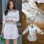 เสื้อผ้าเกาหลีพร้อมส่ง เชิ้ตเดรสผ้าคอตตอนสีขาวตกแต่งเชือกผูกด้านข้าง thumbnail 10