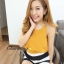 เสื้อผ้าแฟชั่นเกาหลีพร้อมส่ง เสื้อสายเดี่ยวสีเหลืองมาพร้อมกางเกงลายทางขาว-ดำ thumbnail 2