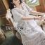 ชุดเดรสเกาหลีพร้อมส่ง เดรสยาวผ้าลูกไม้สีขาวงาช้างสไตล์โมเดิร์นโบฮีเมียน thumbnail 6