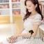( พร้อมส่งเสื้อผ้าเกาหลี) เนื้อผ้า Organdy สวยหวานด้วยงานเย็บประดับด้วยริบบิ้นเย็บประดิษฐ์เป็นลายสไตล์ Reteo ที่ช่วงอกและช่วงแขน เติมความหวานหรูด้วยโทนสีขาว ด้านในมีซับในเย็บติดถึงช่วงอกนะคะ ด้านบนโชว์ผิวสวยๆ นิด thumbnail 2