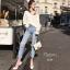 เสื้อผ้าเกาหลีพร้อมส่ง กางเกงยีนส์ทรงสวย แต่งขาดริ้วช่วงขา thumbnail 4