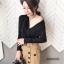 เสื้อผ้าเกาหลีพร้อมส่ง เสื้อแขนยาวทรงไขว้อกเนื้อผ้ากลิตเตอร์ thumbnail 5