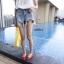 เสื้อผ้าเกาหลีพร้อมส่ง กางเกงยีนส์ขาสั้น เอวสูง มีดีเทลขาดรุ่ยที่ชาย thumbnail 2