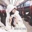 เสื้อผ้าเกาหลีพร้อมส่ง เสื้อโคชตัวยาวสีขาวมีฮู้ดขนมิ้ง thumbnail 3