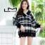 เสื้อผ้าเกาหลีพร้อมส่ง เสื้อไหมพรมลายตารางทรงสวย thumbnail 2
