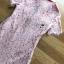 มินิเดรสผ้าลูกไม้สีชมพูตกแต่งปกและกระดุมมุก thumbnail 6