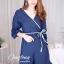เสื้อผ้าเกาหลีพร้อมส่ง จัมพ์สูทขาสั้นคอวีแต่งปลายแขนเป็นชั้นเพิ่มความน่ารัก thumbnail 5