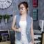 เสื้อผ้าแฟชั่นเกาหลีพร้อมส่ง เสื้อแจคเก็ตยีนส์แขนกุด ดีเทลรีดเพชรโลโก้แบรนด์ดิออร์ thumbnail 4