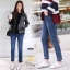 เสื้อผ้าเกาหลีพร้อมส่ง กางเกงยีนส์ทรงกระบอกเล็กผ้ายีนส์ฮ่องกง thumbnail 2