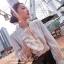 เสื้อผ้าเกาหลีพร้อมส่ง เสื้อตัวนี้ใส่ออกมาได้ลุคผู้ดี ไฮโซสุดๆคร่า thumbnail 1