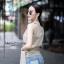 เสื้อผ้าเกาหลีพร้อมส่ง เสื้อแขนกุดคอวีแต่งชายยาวว thumbnail 6