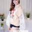 เสื้อผ้าเกาหลีพร้อมส่ง เสื้อแขนยาวแต่งผ้าลูกไม้ตรงแขนเสื้อ thumbnail 3
