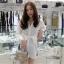 เสื้อผ้าเกาหลีพร้อมส่ง เดรสเชิ้ต คอปกแขนยาวสีขาว thumbnail 1