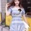 ( พร้อมส่งเสื้อผ้าเกาหลี) เดรสผ้าคอตตอนผสมเนื้อยีน สวยหวานด้วยดีเทลงานเย็บประดับด้วยผ้าลูกไม้เป็นชั้นๆ โทนสีสวยหวานด้วยโทนสีฟ้าขาว น่ารักๆ ด้วยทรงเดรสคอกลมชายกระโปรงต่อชายเย็บระบายนิดๆ ทรงสวยน่ารักมากคะ thumbnail 3