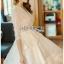 ชุดเดรสเกาหลีพร้อมส่ง เดรสผ้าลูกไม้สีขาวปักมุกตกแต่งระบาย thumbnail 8