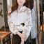 เสื้อผ้าเกาหลีพร้อมส่ง Korea Pleaty Shirt Denim Sleeve thumbnail 3