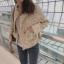 เสื้อผ้าแฟชั่นเกาหลีพร้อมส่ง เสื้อคลุมผ้าทวีต มีมุกติดที่กระเป๋าเสื้อ thumbnail 7