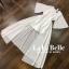 เสื้อผ้าแฟชั่นเกาหลีพร้อมส่ง จั้มสูทกางเกงขาสั้นคอวีแขนระบาย thumbnail 5