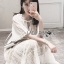 ชุดเดรสเกาหลีพร้อมส่ง เดรสยาวผ้าลูกไม้สีขาวงาช้างสไตล์โมเดิร์นโบฮีเมียน thumbnail 5