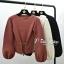 เสื้อผ้าเกาหลีพร้อมส่ง เสื้อไหมพรมแขนยาวดีไซน์แขนให้ดูพองๆน่ารักมากๆ thumbnail 1