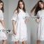 เสื้อผ้าเกาหลี พร้อมส่งเชิ้ตเดรสลูกไม้ตกแต่งคอตตอนสีขาวสไตล์ลำลอง thumbnail 16