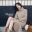 เสื้อผ้าเกาหลีพร้อมส่ง Set เสื้อคอเต่าผ้าไหมพรมเนื้อหนานุ่ม + กระโปรงสีเดี่ยวกัน thumbnail 2