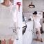 ( พร้อมส่งเสื้อผ้าเกาหลี) เดรสแขนยาวโทนสีขาวล้วน ลุคสบายๆ ใส่ง่ายค่ะเนื้อผ้าCotton รอบอกแต่งลูกไหมพรมเล็กๆ น่ารักคะ จั้มเข้าเอวและสะโพกให้เดรสเป็นทรงสวย ชายกระโปรง จับจีบระบายโดยรอบ thumbnail 8