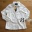 เสื้อผ้าเกาหลี พร้อมส่งเชิ้ตขาวตกแต่งผ้าตาข่ายและผ้าปักลายดอกไม้ thumbnail 14
