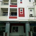ให้เช่าทาวน์โฮม 3 ชั้น หมู่บ้านแฮปปี้แลนด์แกรนวิลล์ ซอย ลาดพร้าว 101 เนื้อที่ 23 ตร.วา 3 ห้องนอน