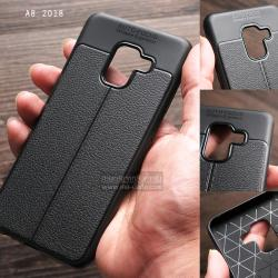 เคส Samsung Galaxy A8 2018 เคสนิ่ม Hybrid เกรดพรีเมี่ยม ลายหนัง (ขอบนูนกันกล้อง มีเส้นตรงกลาง) แบบที่ 2 (รูกล้องรวม)