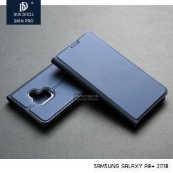 เคส Samsung Galaxy A8+ (Plus) 2018 เคสฝาพับเกรดพรีเมี่ยม (เย็บขอบ) พับเป็นขาตั้งได้ สีกรมท่า (Dux Ducis)