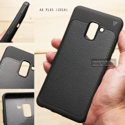 เคส Samsung Galaxy A8+ (PLUS) 2018 เคสนิ่ม Hybrid เกรดพรีเมี่ยม ลายหนัง (ขอบนูนกันกล้อง)