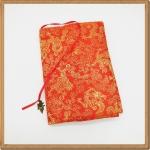ปกหนังสือผ้าสีแดงลายมังกร(มีเสริมฟองน้ำ)