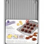Item# 2105-0170 Wilton Bake-N-Coat Set Candy Melts,